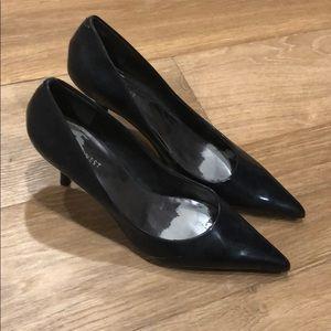 Nine west navy kitten heels